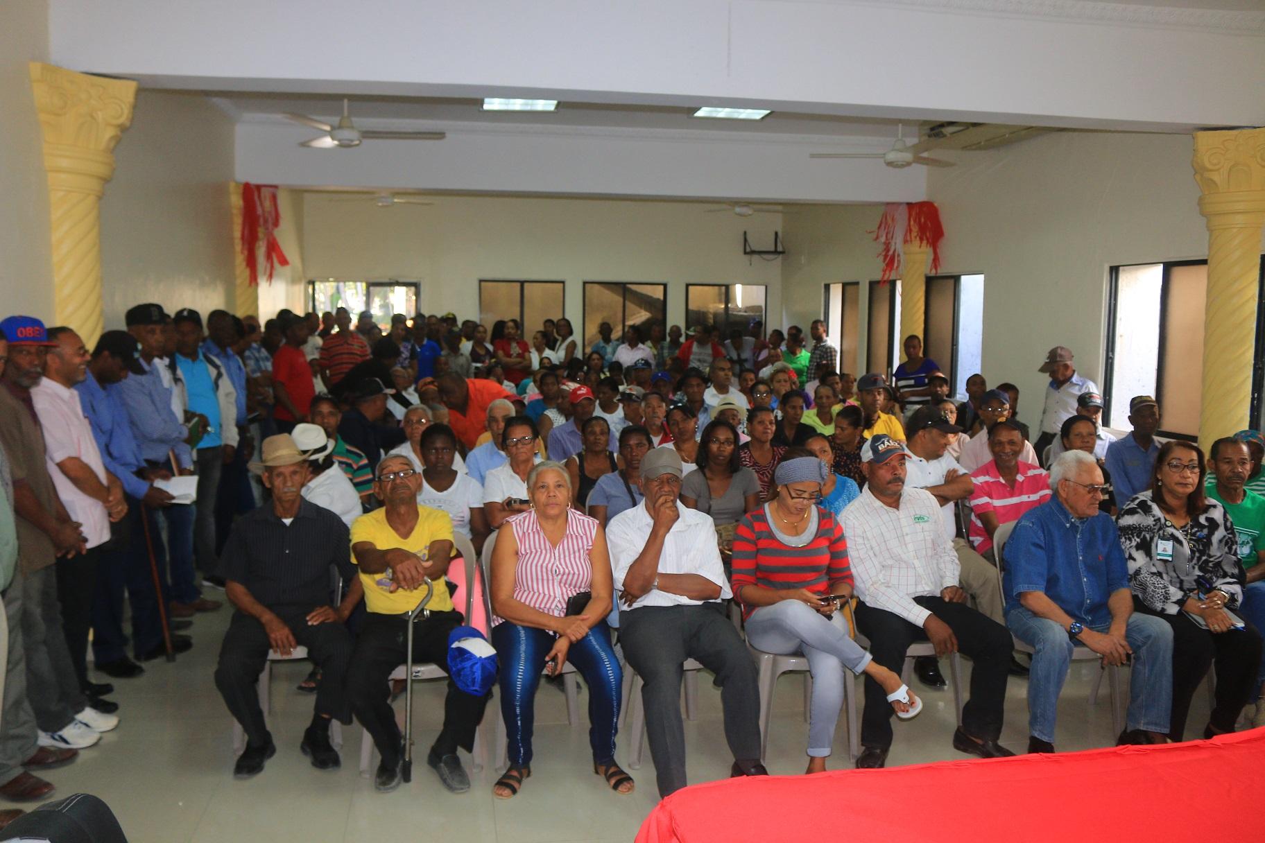Alcalde pide a INAPA terminar obra de ampliación del acueducto en Las Matas de Farfán